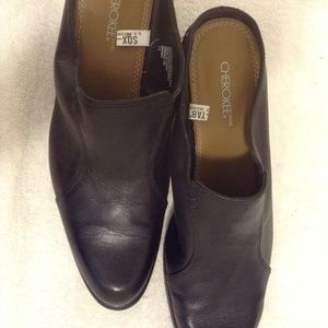 CHEROKEE BLACK LEATHER CLOG W/ POINTED TOE